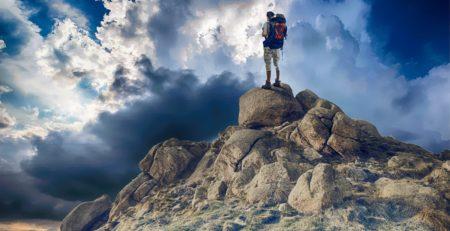 trekking-alpinism-munte-hiking
